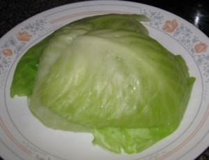 stacking-up-parboiled-cabbage-leaves