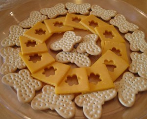 Cheese and crackers for the Minni Mouse party theme