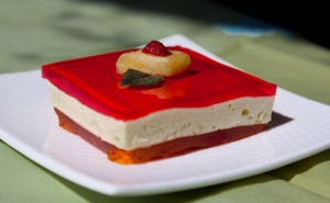 Three layer jello - serving piece