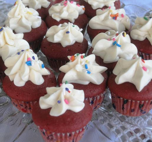 Red Velvet Mini Cupcakes 2