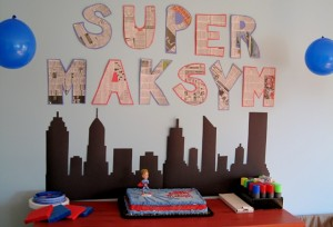 Super Heroes Birthday Cake station