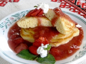 Pancakes with rhubarb and strawberry sauce 6