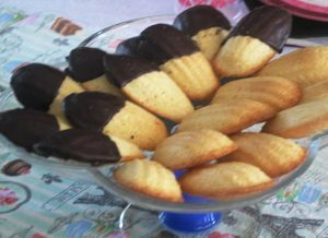 French Butter cakes - Madeleines