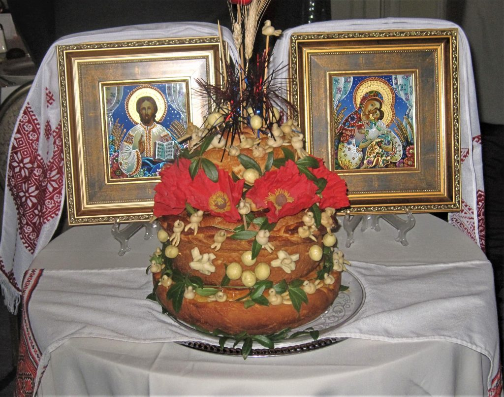 another ukrainian tradition calls for a korovai hence this picture of the ukrainian traditional symbolic bread displayed above